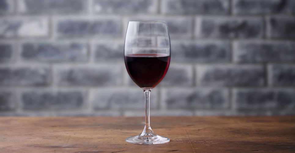 Small amounts of alcohol may help to ward off cognitive decline